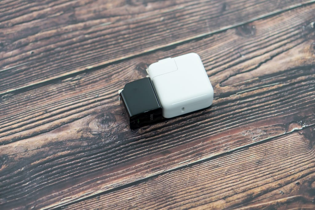 AUKEY PA-Y19とMacBook Air付属充電器