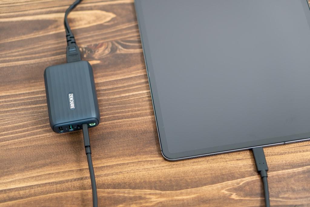 iPad ProとZendure SuperHub SE