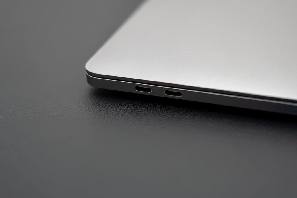MacBook Pro/AirにはUSB-Cポートしかない