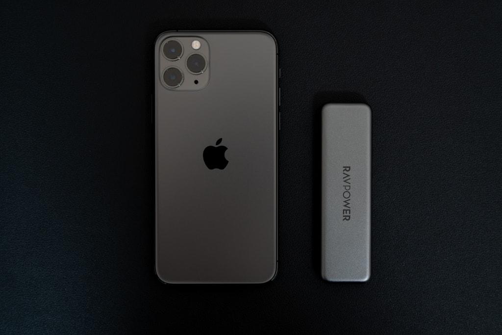 iPhone 11 ProとRAVPower RP-UM003を比較