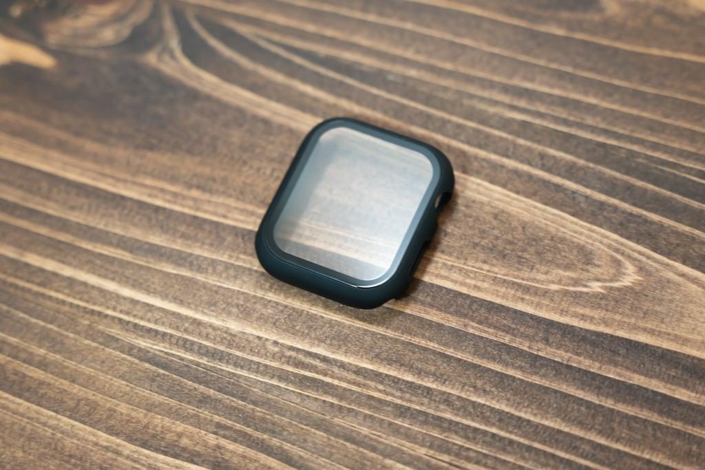 ULOE Apple Watch ケースはフィルムが一体化