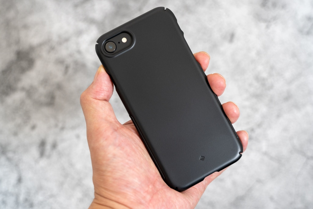 Caseology Dual Grip iPhone SE 第2世代用ケース