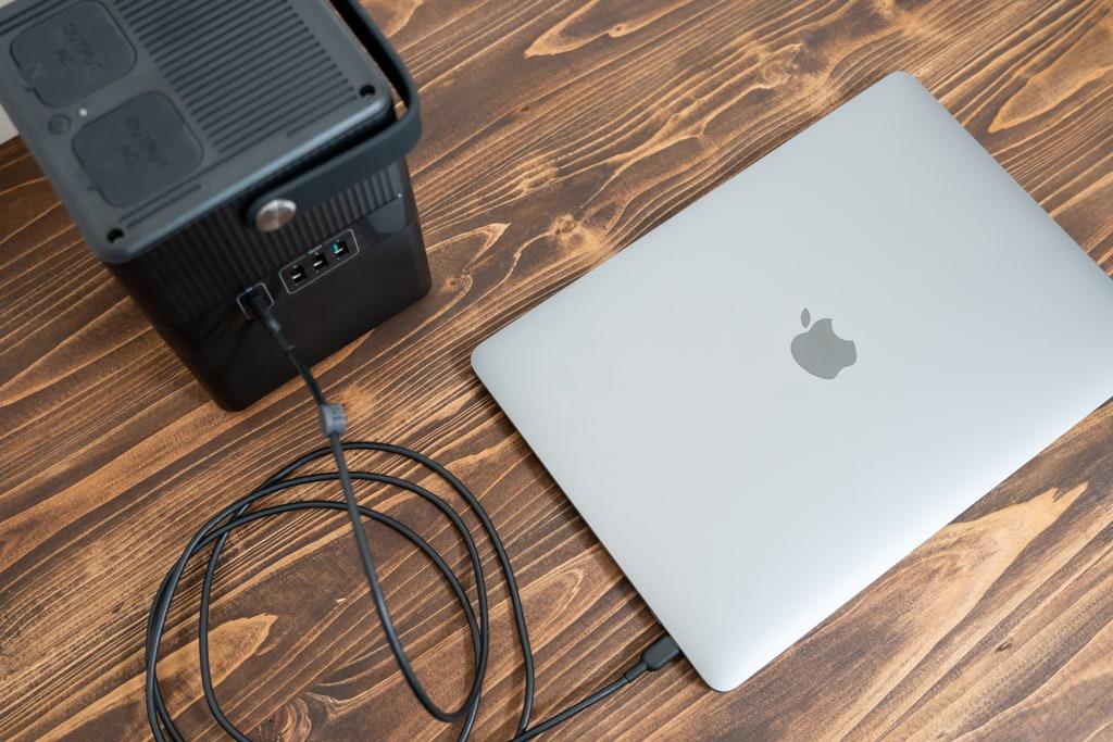 RP-PB187のUSB-Cは60W出力でMacBook Proをアダプタなしで充電可能