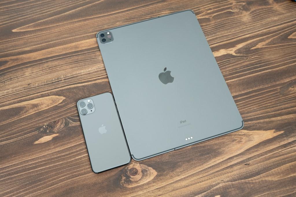 iPad Pro 12.9インチを電車で使おうとは思わない