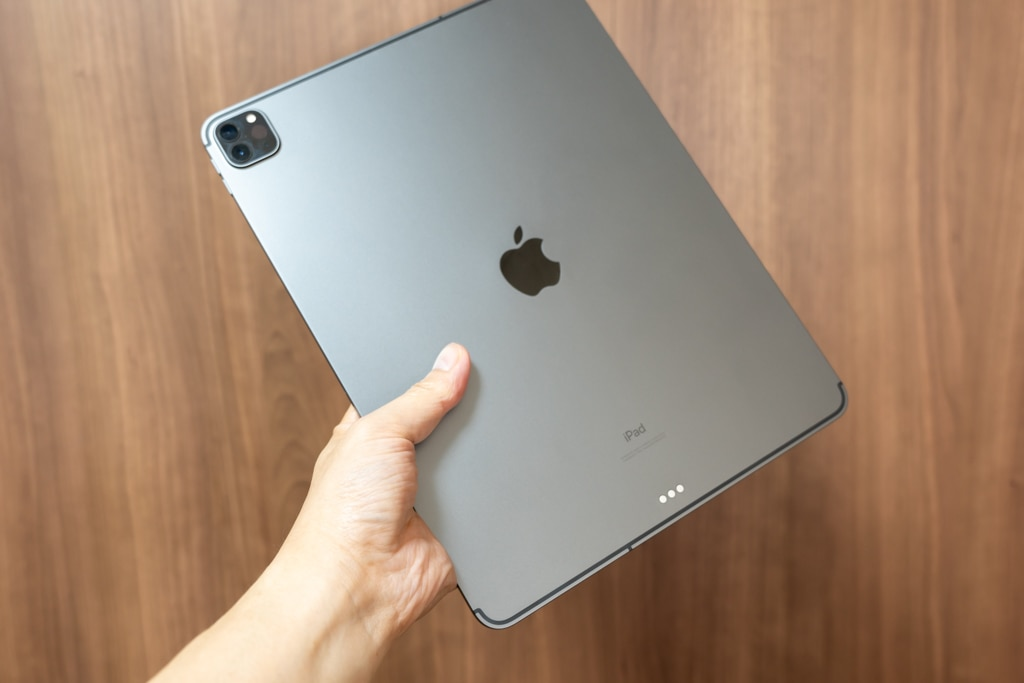 iPad Pro 12.9インチをずっと手に持ってるのは筋トレ