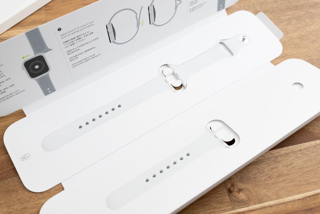 Apple Watch SEと一緒に買ったホワイトバンド