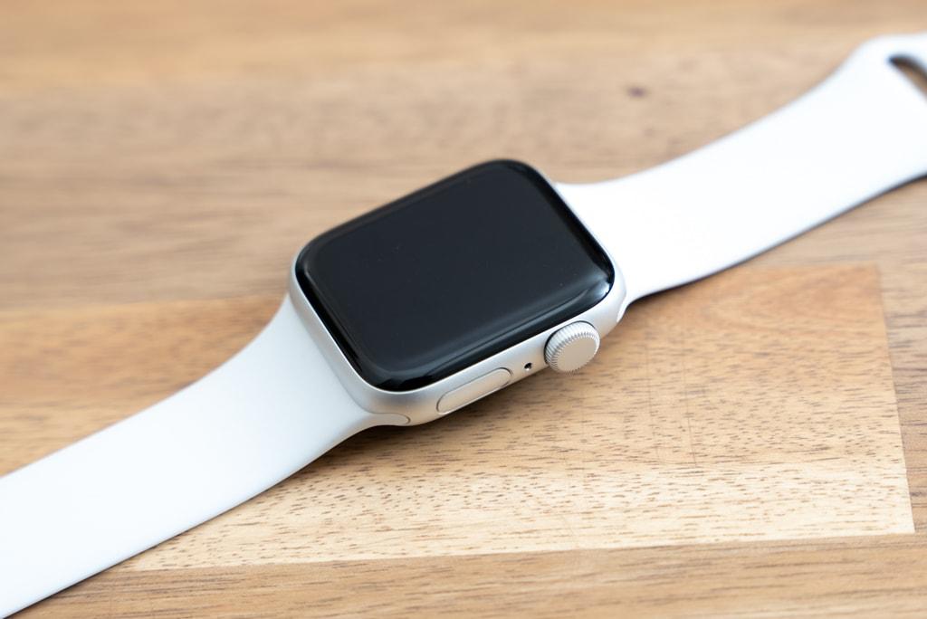 Apple Watch SEのケース素材はアルミのみ