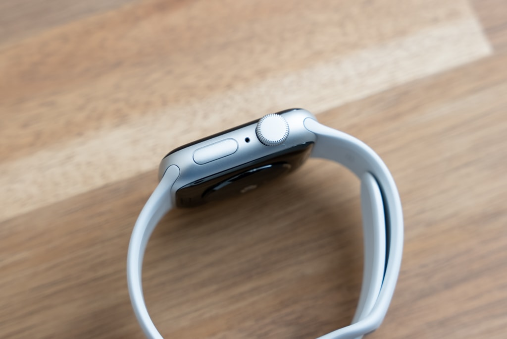 Apple Watch SEの右側面
