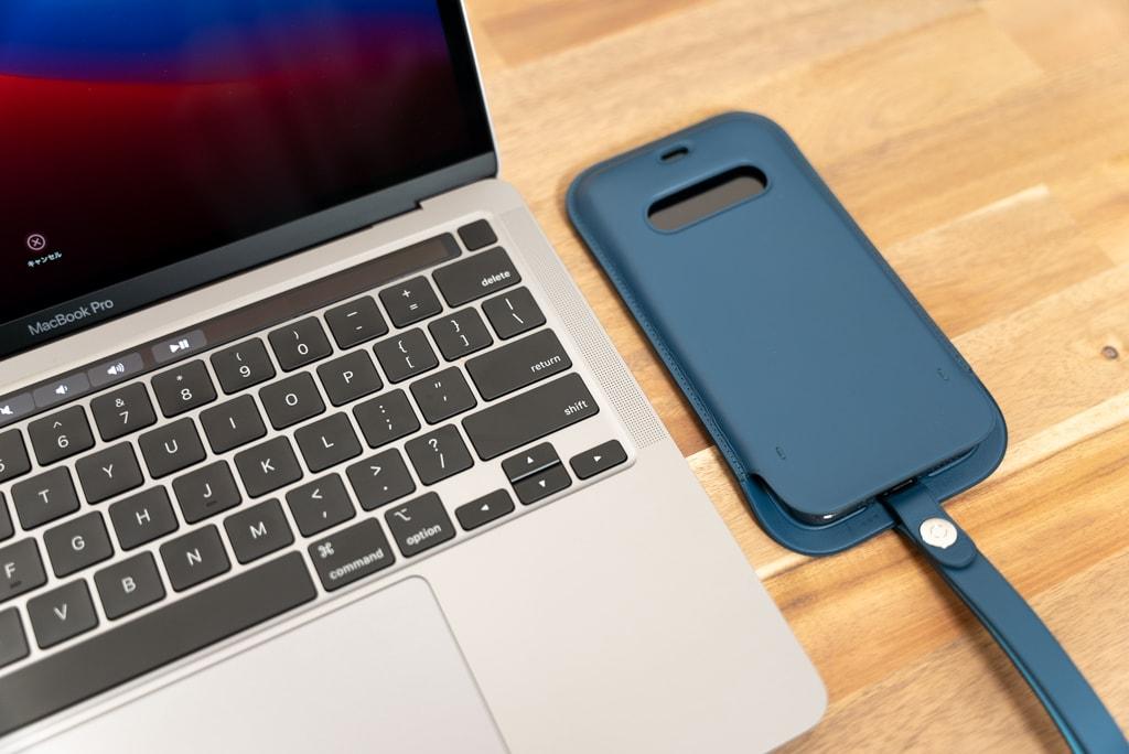M1 MacBook Proとレザースリーブ