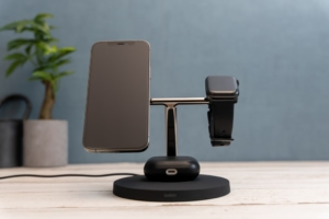 Belkin 3-in-1 Wireless Charger with MagSafeレビュー:MagSafe対応で3デバイス同時充電可能なワイヤレ...