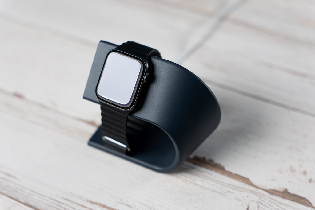 WUUDI Apple Watch 充電スタンドの外観・デザイン