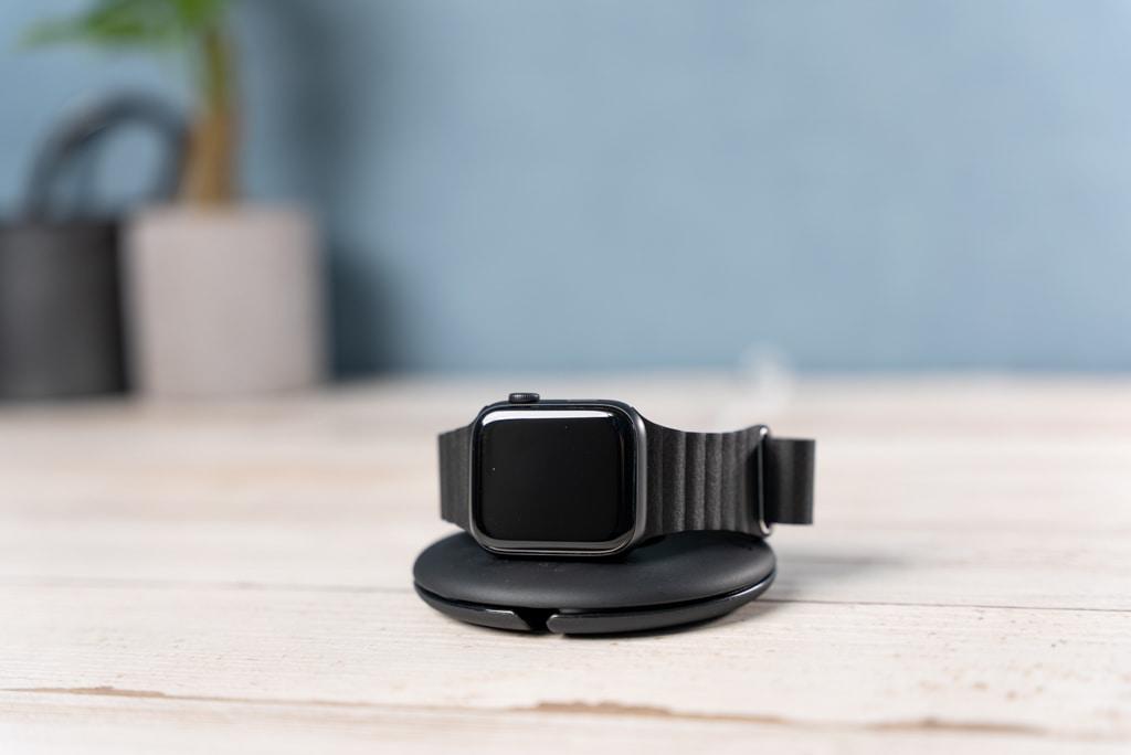 Belkin Apple Watch 充電スタンド
