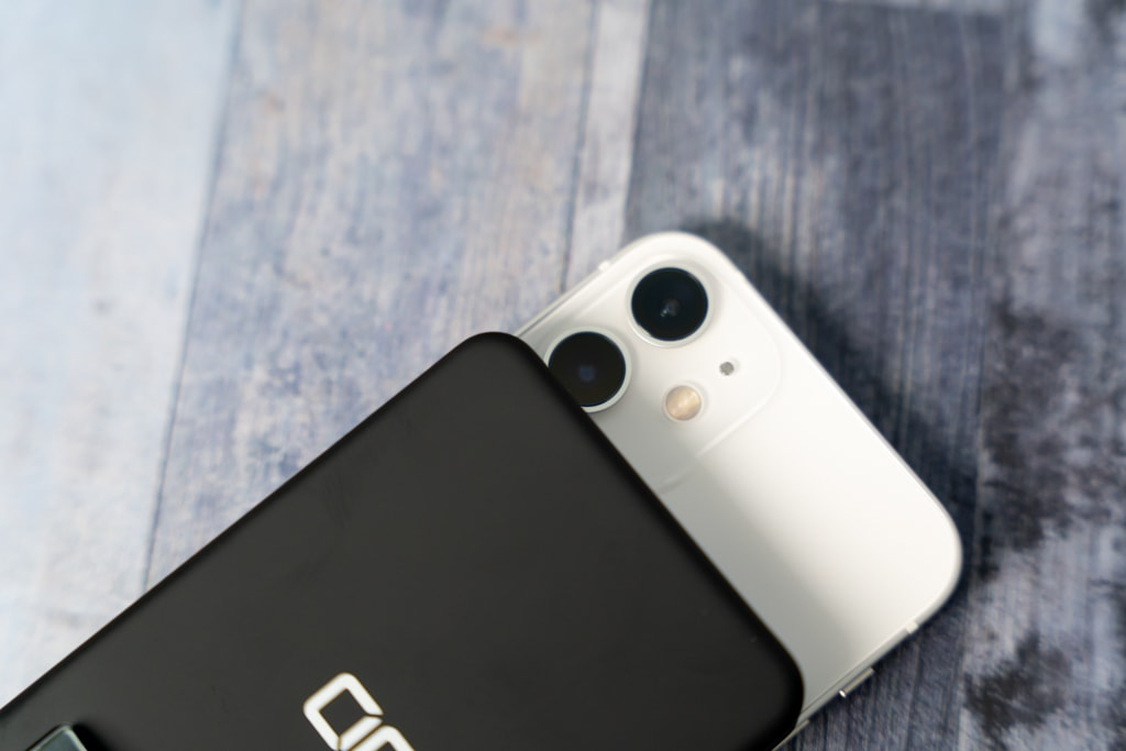 iPhone 12 miniはカメラに鑑賞する