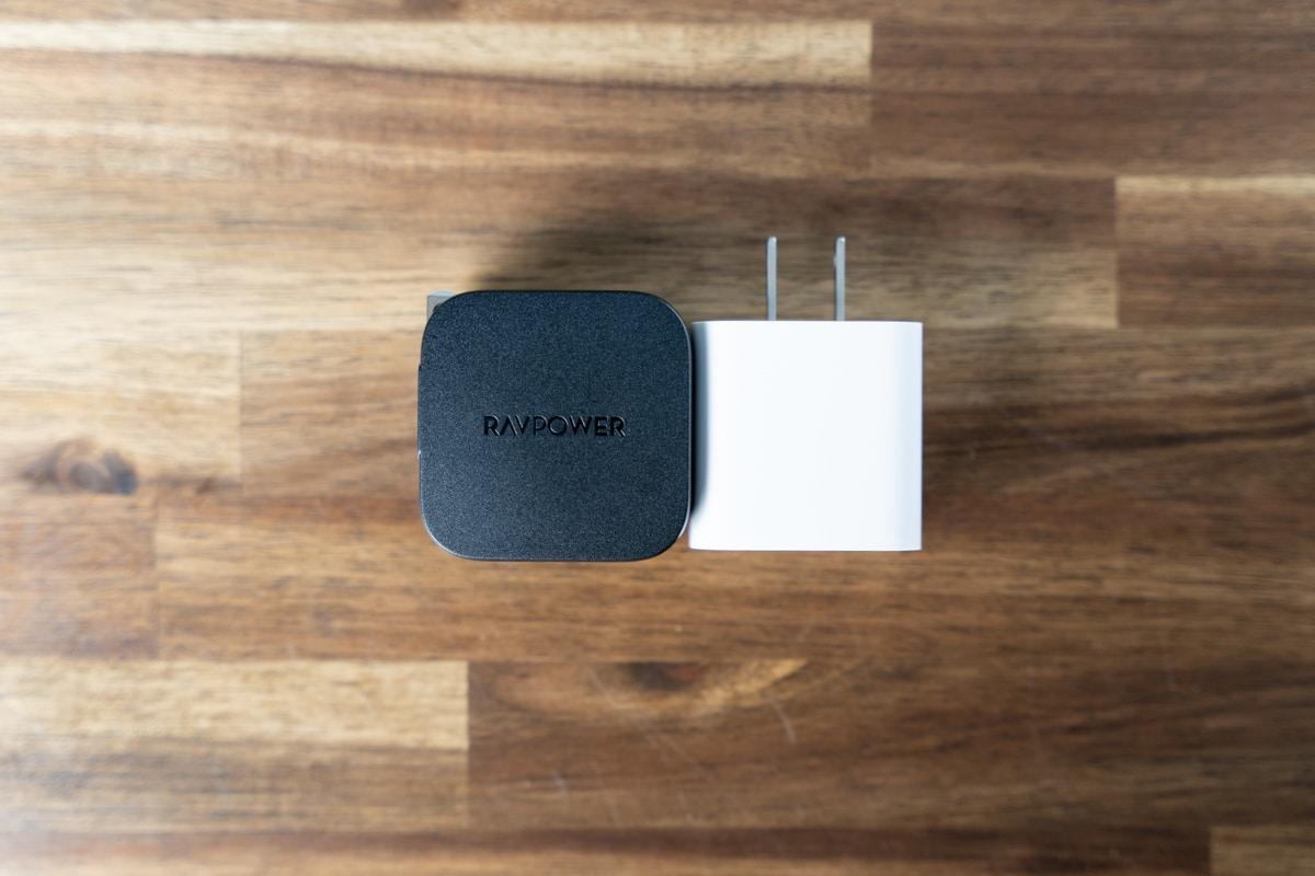 Apple純正20W充電器と比較