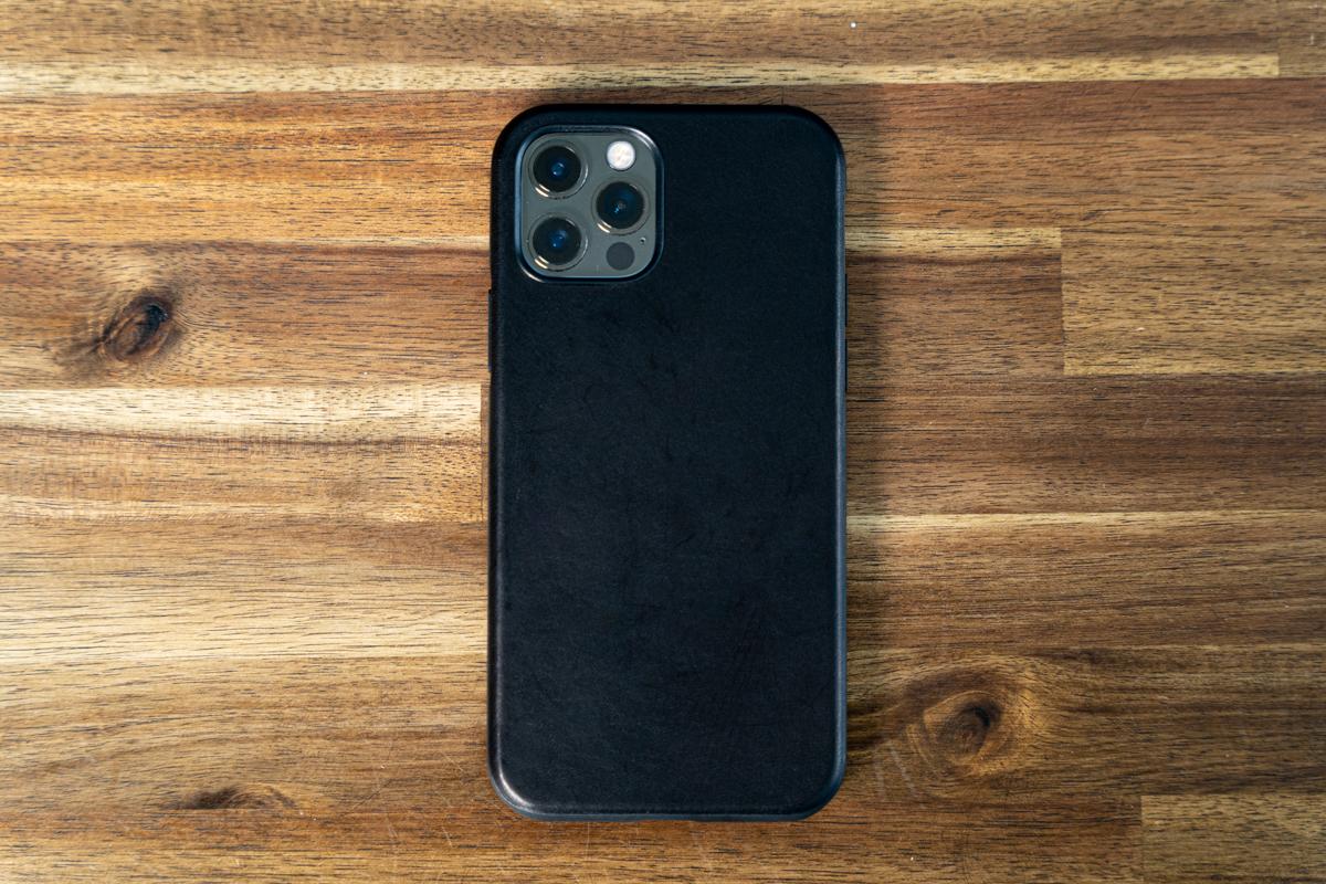 NOMAD Rugged Case MagSafeにiPhone 12 Proを装着