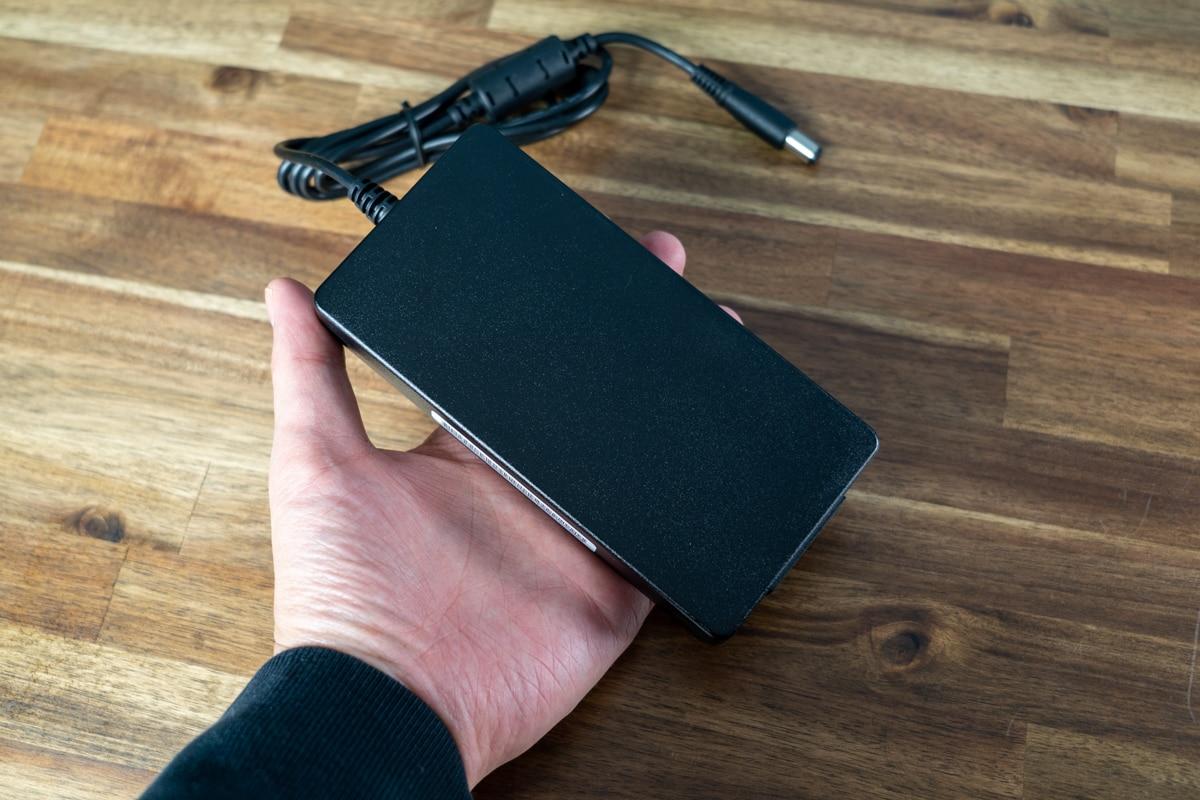 CalDigit USB-C Pro Dockの電源アダプタ