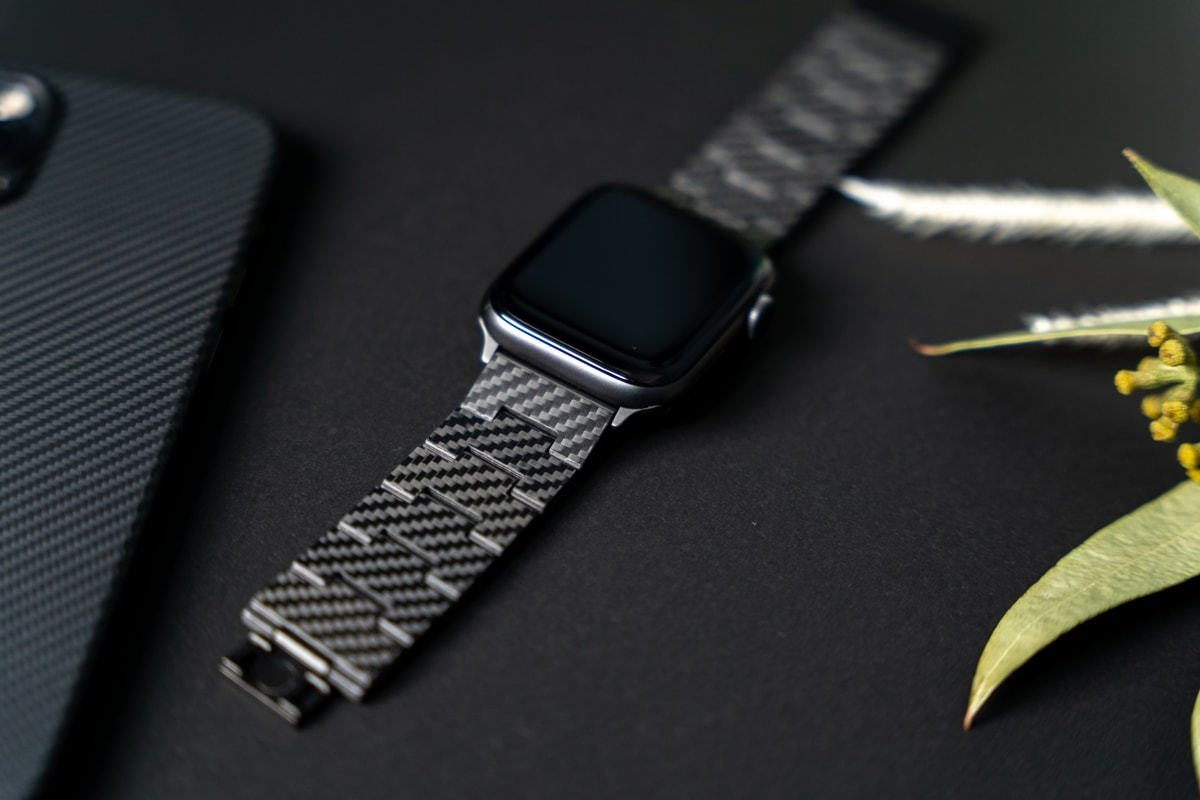 PITAKA カーボン製Apple Watchバンドの特徴