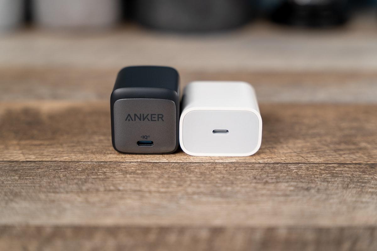 Anker Nano II 45WとApple 20W