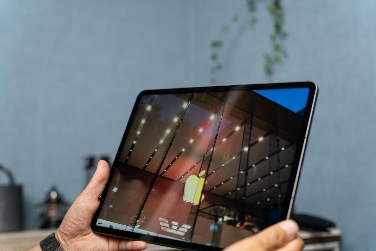 iPad Pro 12.9インチ(2021)は重量が増えた