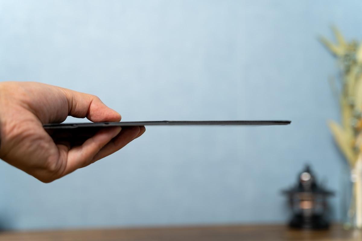 MOFT Snap-On タブレットスタンドは薄い