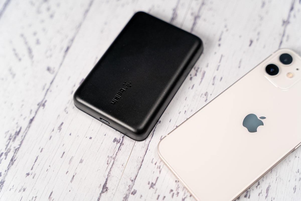 Belkin BOOST↑CHARGE マグネット式ワイヤレスモバイルバッテリー