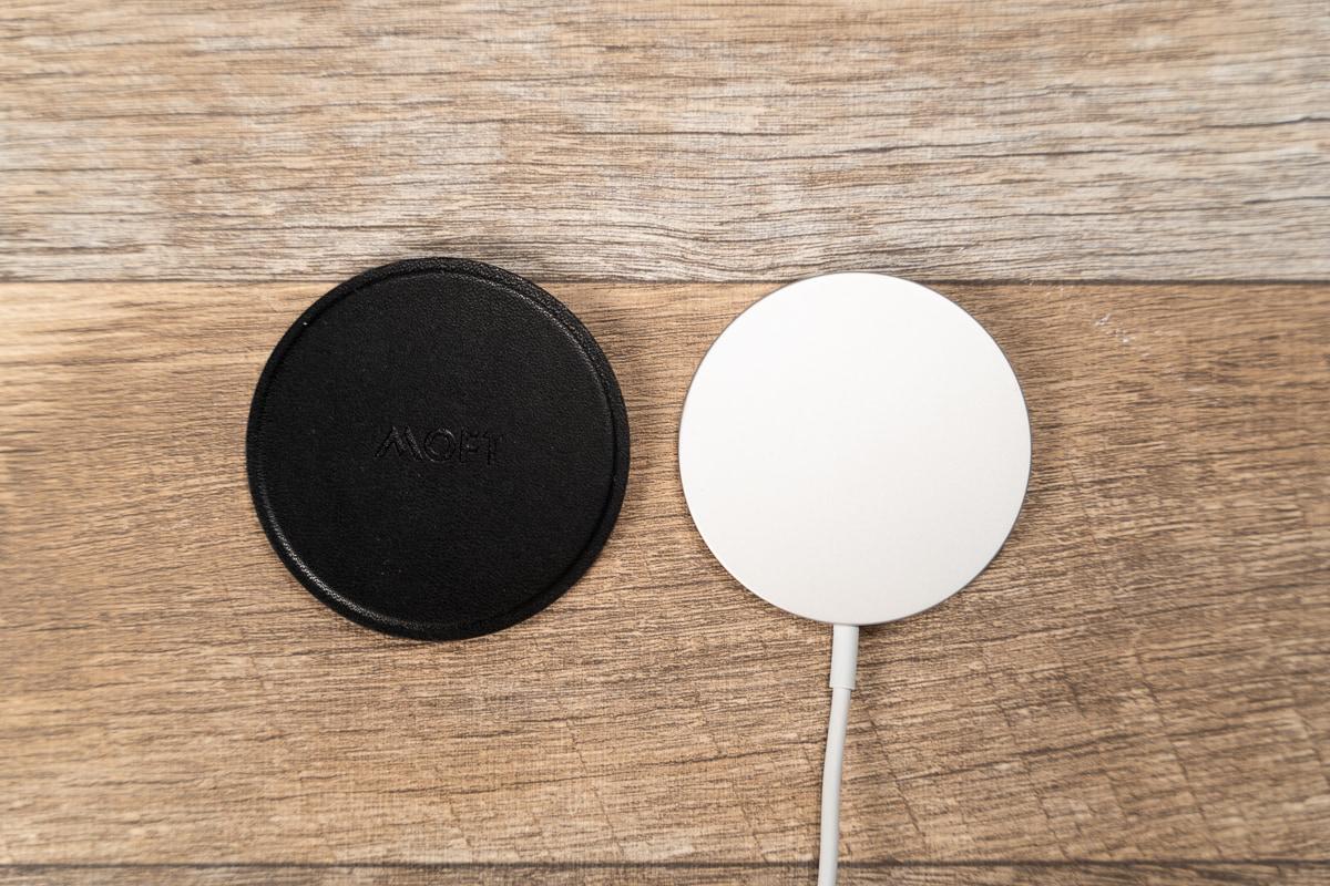 Apple純正MagSafe充電器とだいたい同じサイズ感