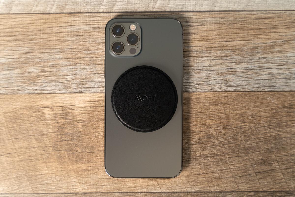 MOFT O Snapスマホスタンド&グリップをiPhone 12 Proに装着