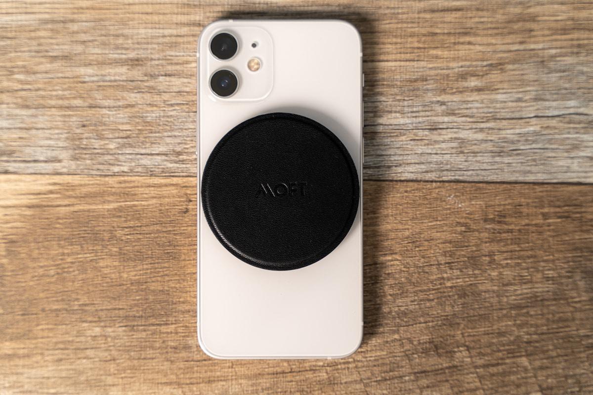 MOFT O Snapスマホスタンド&グリップをiPhone 12 miniに装着