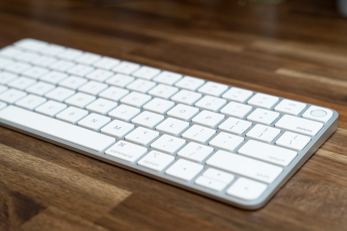 Magic Keyboard With TouchIDは薄い