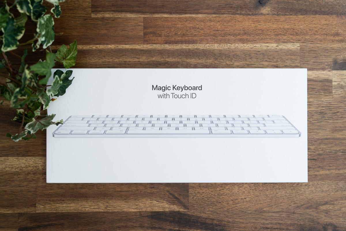 Magic Keyboard With TouchIDの外箱