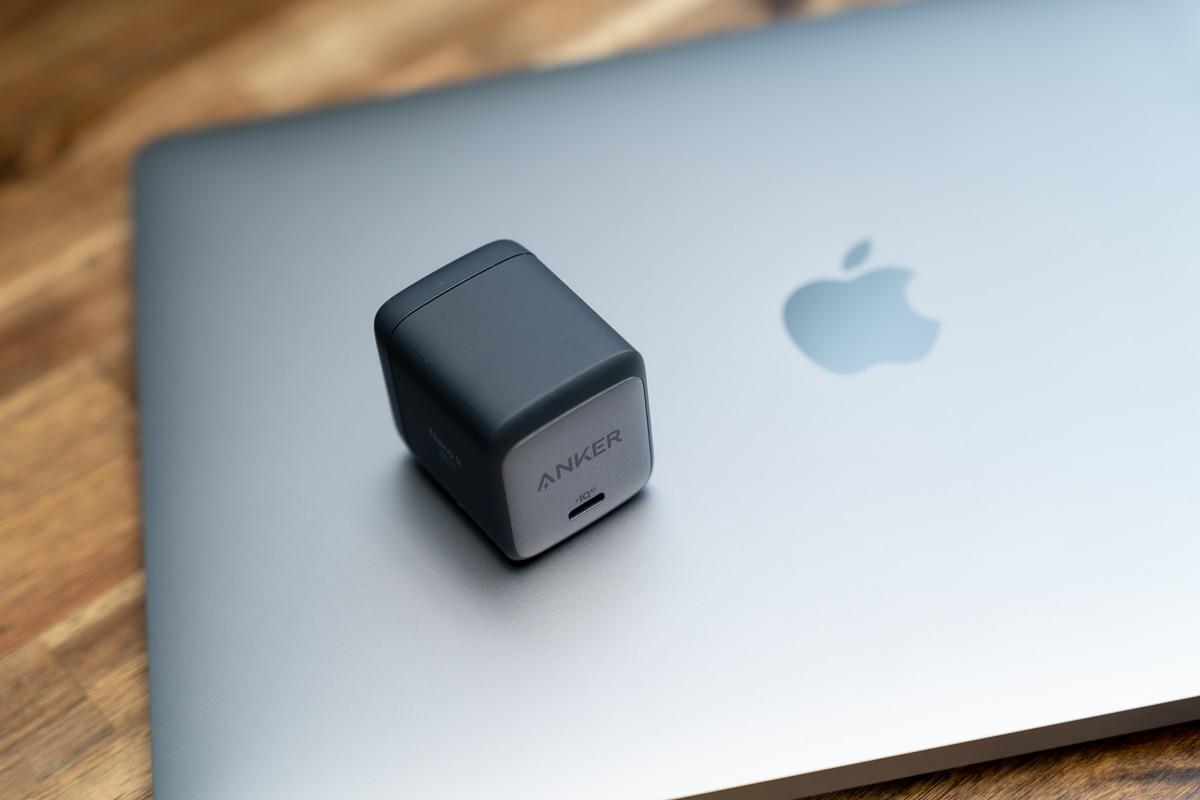 Anker Nano II 65WはMacBook Pro 13インチに最適
