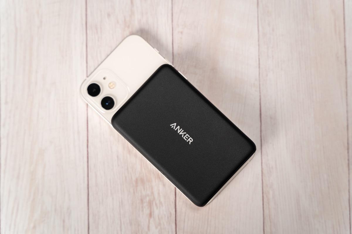 Anker PowerCore Magnetic 5000をiPhone 12 miniに装着