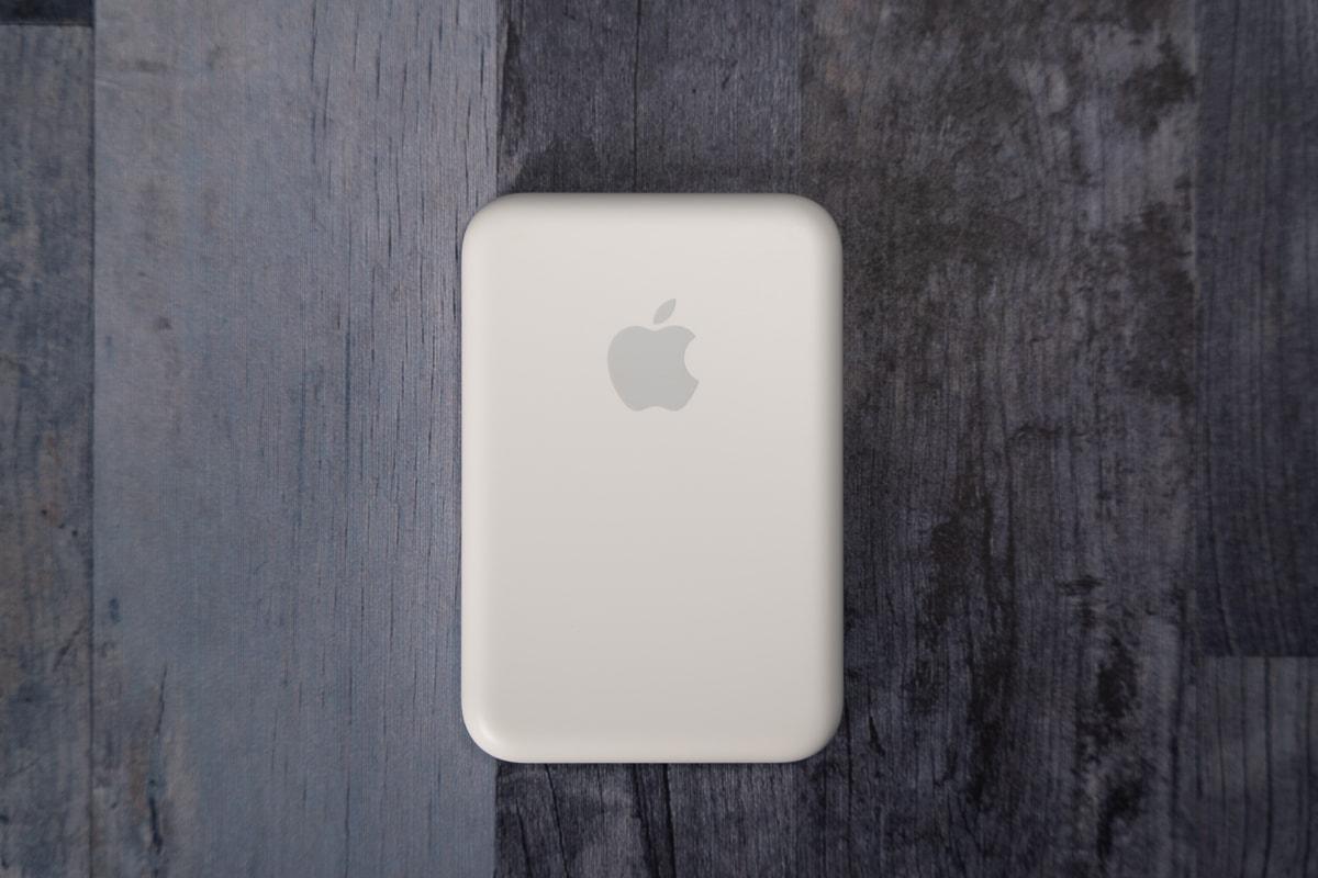 Apple純正バッテリーパックの正面