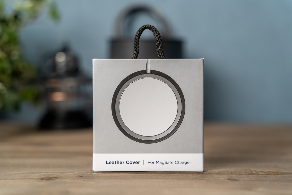 MagSafe Leather Coverの外箱