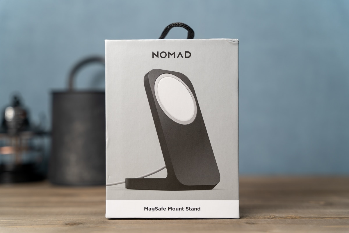 NOMAD MagSafe Mount Standの外箱