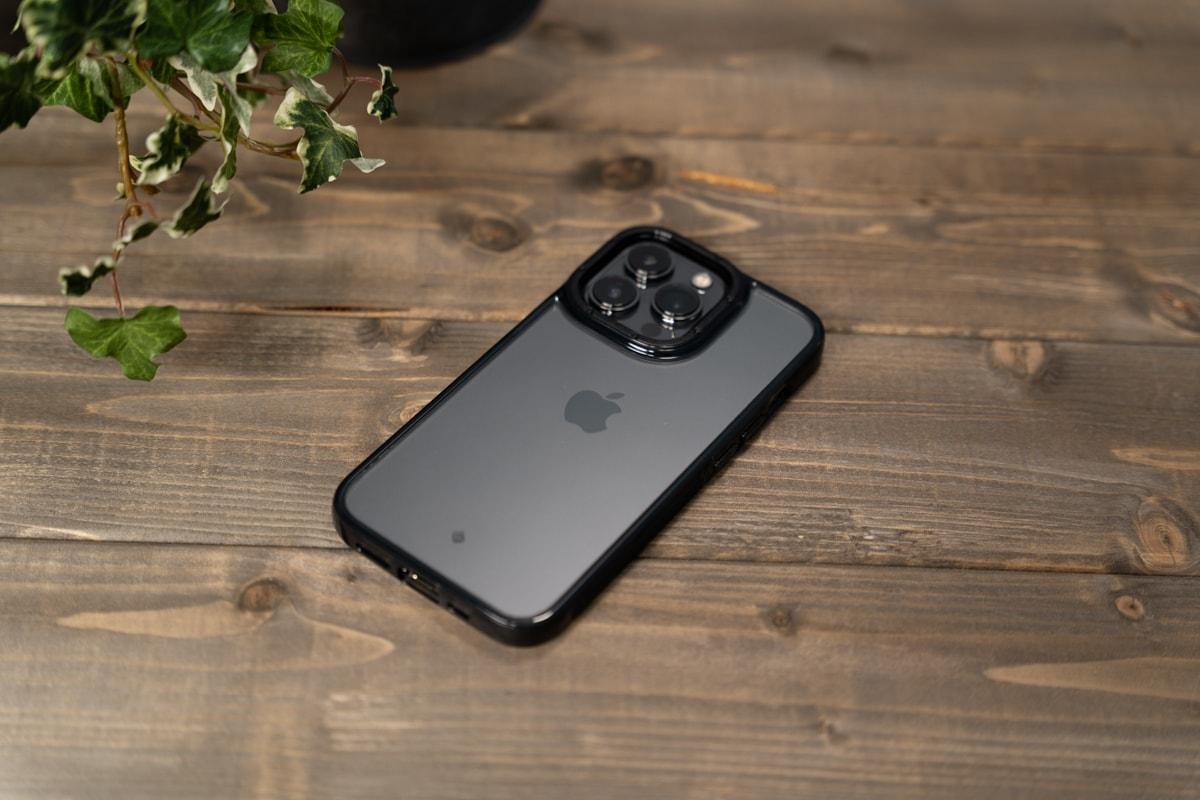 クリアタイプのiPhone 13用ケース